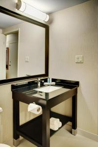 Comfort Inn Sudbury, Отели  Садбери - big - 3