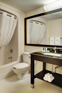 Comfort Inn Sudbury, Отели  Садбери - big - 11