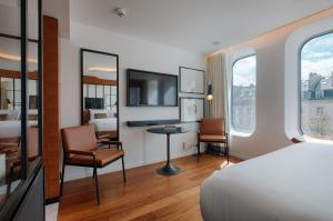 Paris Style Queen or Twin Room with Spa access