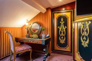 Duplex Room