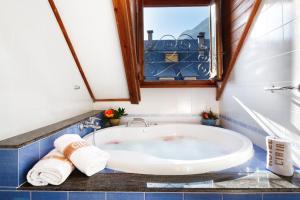 Hotel Ciria, Отели  Бенаске - big - 7