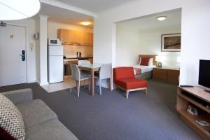 两卧室公寓套房
