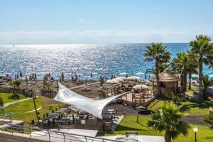 Aregai Marina Hotel & Residence - AbcAlberghi.com