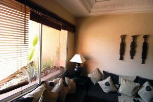 Les Suites de Marrakech - 2, Apartmány  Marakéš - big - 6