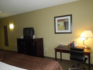 Best Western Airport Inn & Suites Cleveland, Szállodák  Brook Park - big - 14