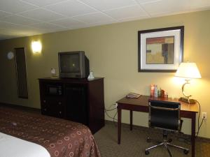Best Western Airport Inn & Suites Cleveland, Szállodák  Brook Park - big - 8