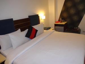 Hotel Aura, Отели  Нью-Дели - big - 15