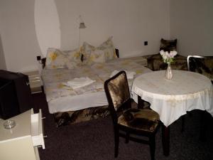 Kis Apartmanház, Apartmány  Hévíz - big - 6