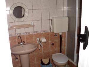 Kis Apartmanház, Apartmány  Hévíz - big - 14