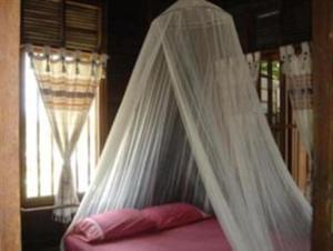 Dvoulůžkový pokoj Standard s manželskou postelí a ventilátorem