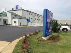 Motel 6 - Montgomery - Hope Hull