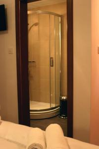 Golden Lakes Rooms, Pensionen  Jezerce - big - 7