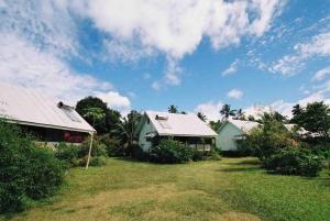 Gina's Garden Lodges