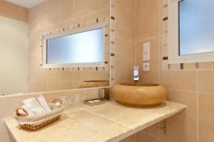 Altera Roma Hôtel, Hotely  Avignon - big - 36