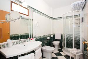 Hotel Savoy, Hotely  Caorle - big - 35