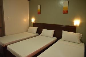 Hotel Carmen at NVC, Hotels  Kalibo - big - 10