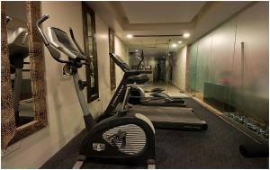 Hotel Aura, Отели  Нью-Дели - big - 59