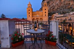 Palazzo Villelmi, Bed and breakfasts  Cefalù - big - 64