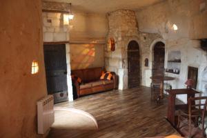 Les Chambres d'Hôtes Troglo du Rossignolet, Panziók  Loches - big - 2