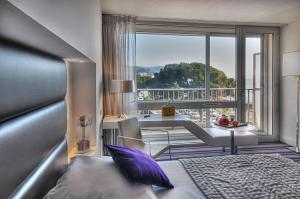 Superior Double Room with Sea and Garden View
