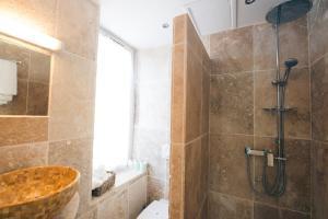 Altera Roma Hôtel, Hotely  Avignon - big - 41