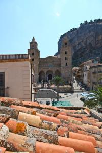 Palazzo Villelmi, Bed and breakfasts  Cefalù - big - 17