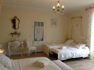 La Villa Bleue de Mauleon, Bed and breakfasts  Mauléon - big - 8