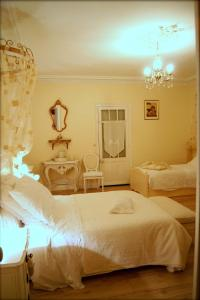 La Villa Bleue de Mauleon, Bed & Breakfasts  Mauléon - big - 9