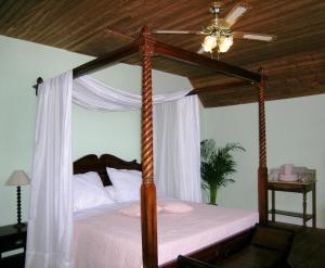 La Villa Bleue de Mauleon, Bed and breakfasts  Mauléon - big - 40