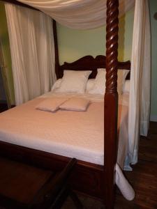 La Villa Bleue de Mauleon, Bed and breakfasts  Mauléon - big - 42