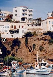Athena Apartments, Apartments  Agia Galini - big - 8