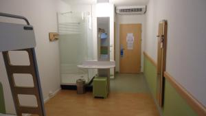 Standard Zimmer mit 1 Doppelbett.