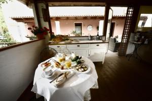 Il Giardino Degli Aranci, Отели типа «постель и завтрак»  Mores - big - 18