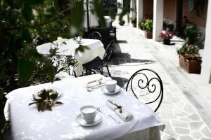 Il Giardino Degli Aranci, Отели типа «постель и завтрак»  Mores - big - 17