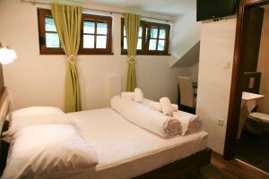Golden Lakes Rooms, Pensionen  Jezerce - big - 8