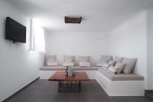 Almyra Guest Houses, Aparthotels  Paraga - big - 36