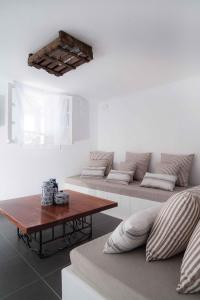 Almyra Guest Houses, Aparthotels  Paraga - big - 35