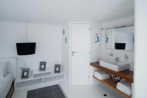 Almyra Guest Houses, Aparthotels  Paraga - big - 79