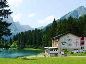 Berghotel Obersee, Hotels  Näfels - big - 1