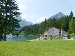 Berghotel Obersee, Hotely  Näfels - big - 49