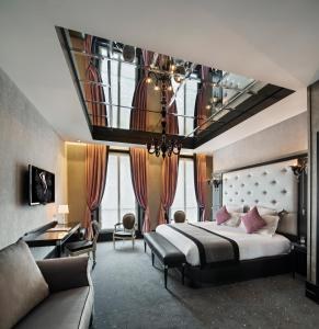 Diamond King Suite