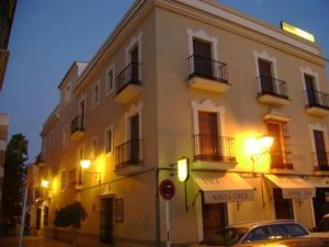 Santa Cruz, Penzióny  Los Palacios y Villafranca - big - 1