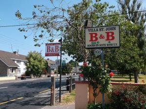 Villa St.John B&B, Отели типа «постель и завтрак»  Атлон - big - 24