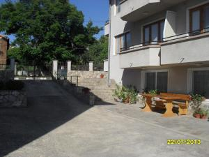 Panayotovi Guest House