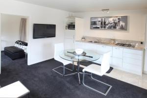 Coromandel Apartments, Apartmánové hotely  Coromandel Town - big - 16