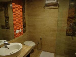 Hotel Aura, Отели  Нью-Дели - big - 99