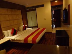 Hotel Aura, Отели  Нью-Дели - big - 104