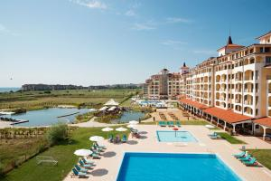 Sunrise All Suites Resort- All Inclusive, Apartmanhotelek  Obzor - big - 39