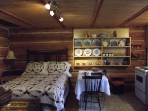 Solitude B&B on Aveley Ranch, Bed & Breakfast  Vavenby - big - 17