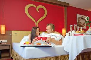 Alpen-Herz Romantik & Spa - Adults Only, Hotely  Ladis - big - 16